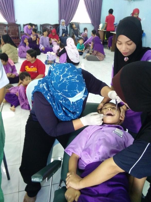 Pemeriksaan/Ceramah/Pameran Latihan Memberus Gigi Dari Klinik Pergigian Papar Pada 25/10/2016